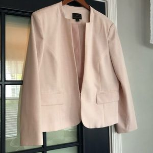 Never worn 💗 structured light pink blazer